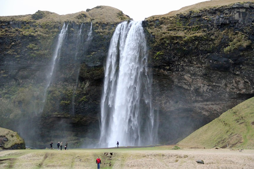 seljalandsfoss-waterfall.jpg
