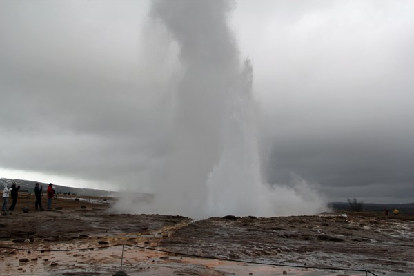 strokkur-in-april.jpg