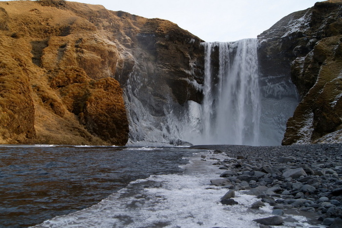 skogafoss winter.jpg