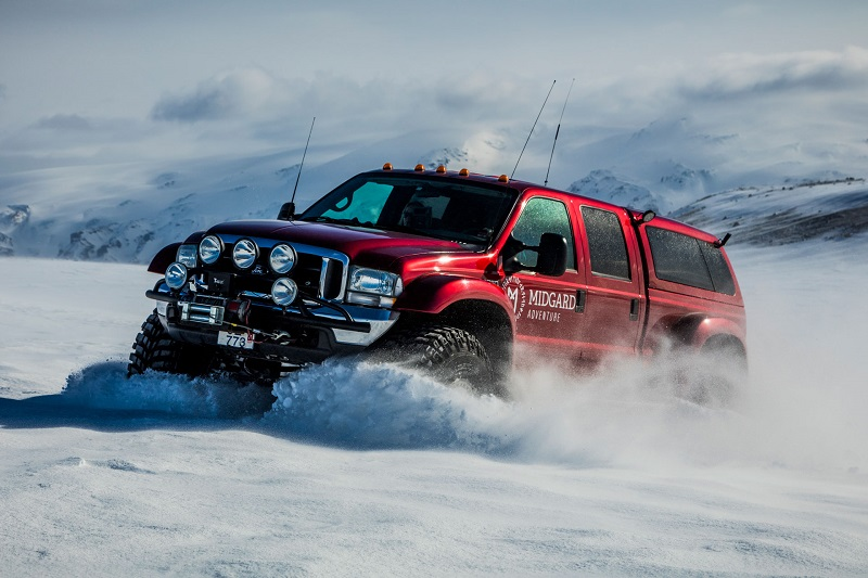 superjeep-snow2.jpg